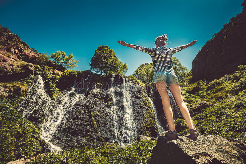 Cachoeira com céu azul fotos de stock royalty free