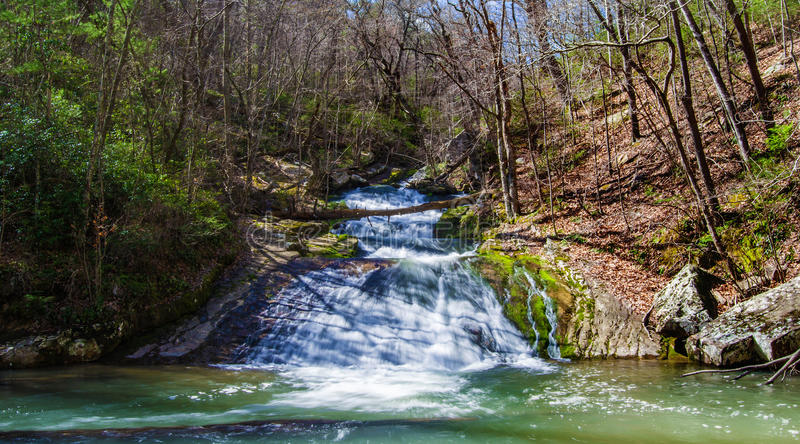 Cachoeira corrida rujir (mais baixas quedas), Virgínia, EUA imagens de stock royalty free