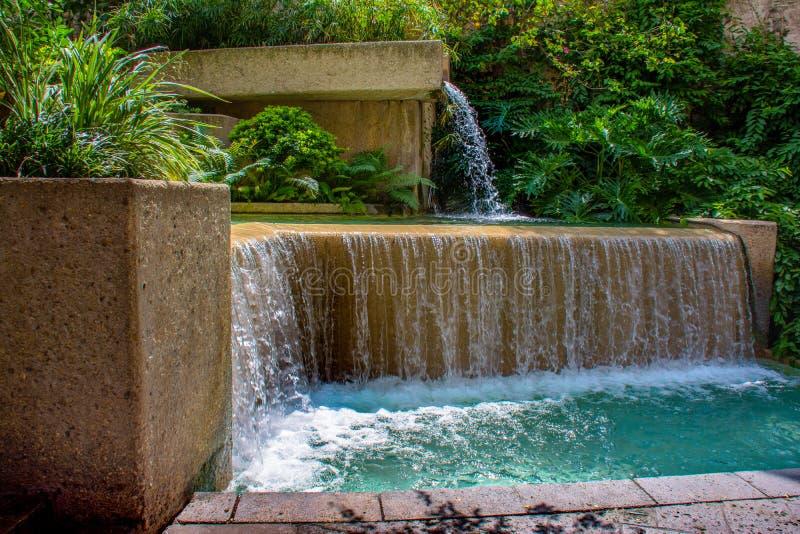 Cachoeira da fonte de Riverwalk imagem de stock royalty free