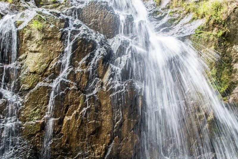 Cachoeira da montanha imagem de stock