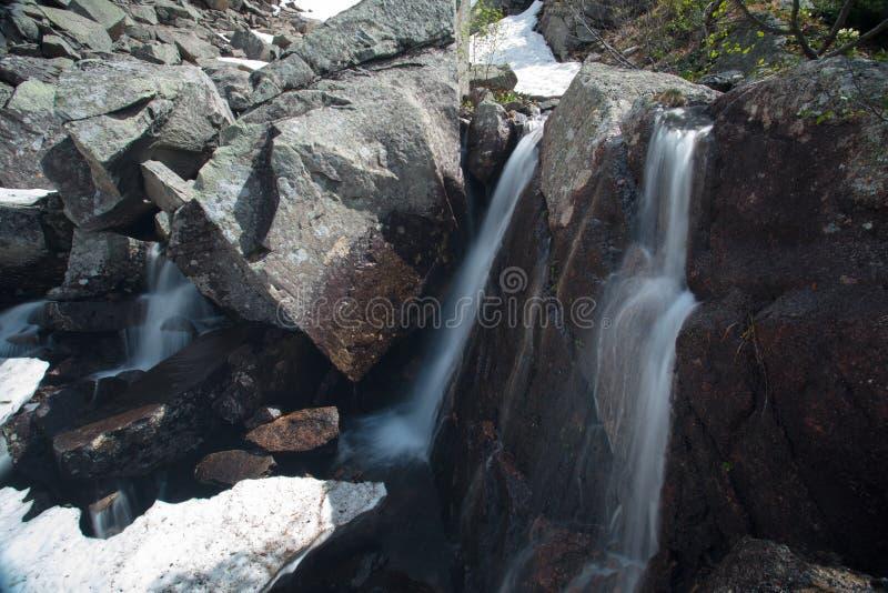 Cachoeira da montanha Paisagem muito bonita com a montanha waterfal fotografia de stock