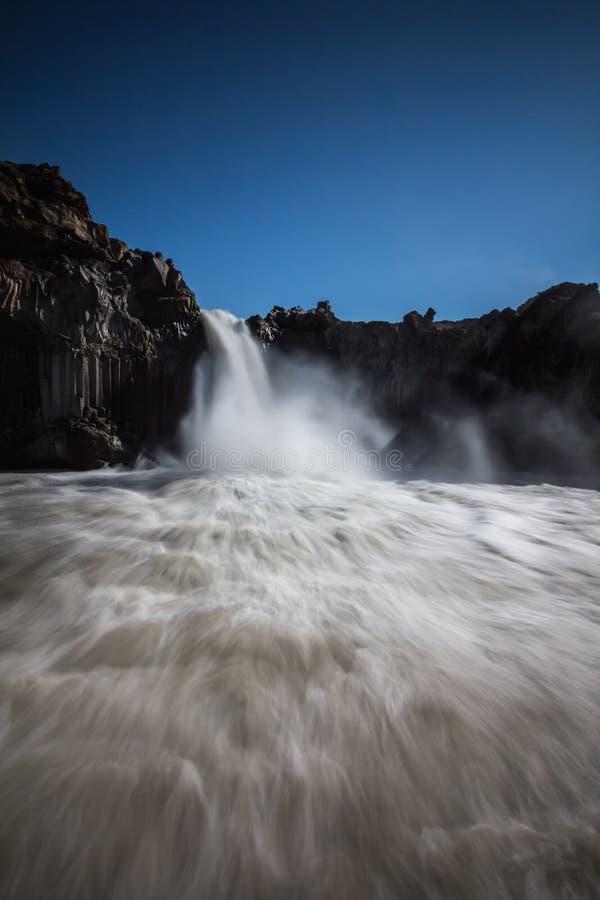 Cachoeira de Aldeyjarfoss imagem de stock
