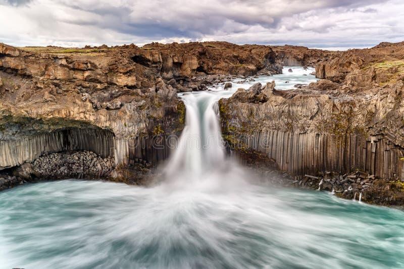 Cachoeira de Aldeyjarfoss em Islândia fotografia de stock