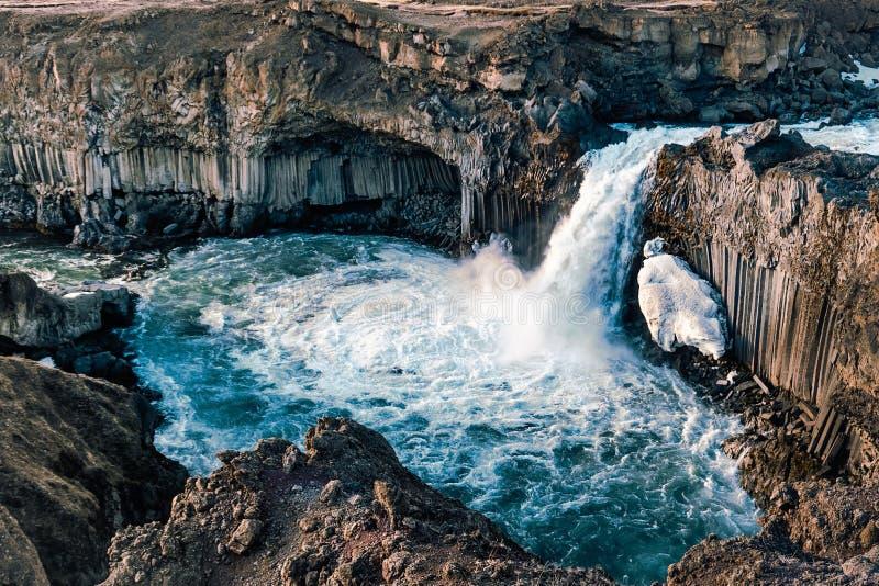 Cachoeira de Aldeyjarfoss em Islândia de cima de fotografia de stock