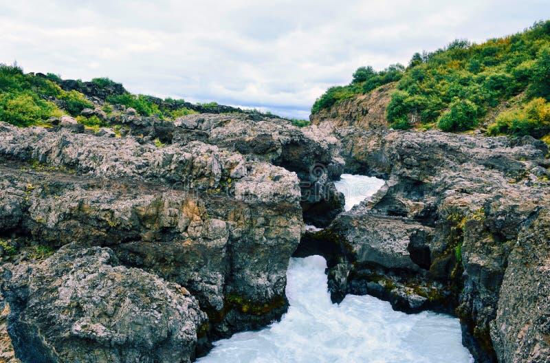 Cachoeira de Barnafoss em Islândia ocidental foto de stock royalty free