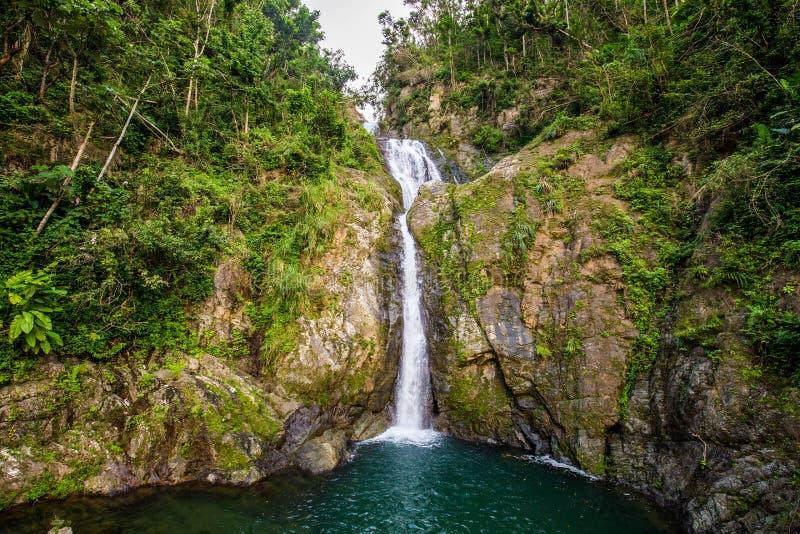 Cachoeira de Chorro de Dona Juana em Porto Rico fotos de stock