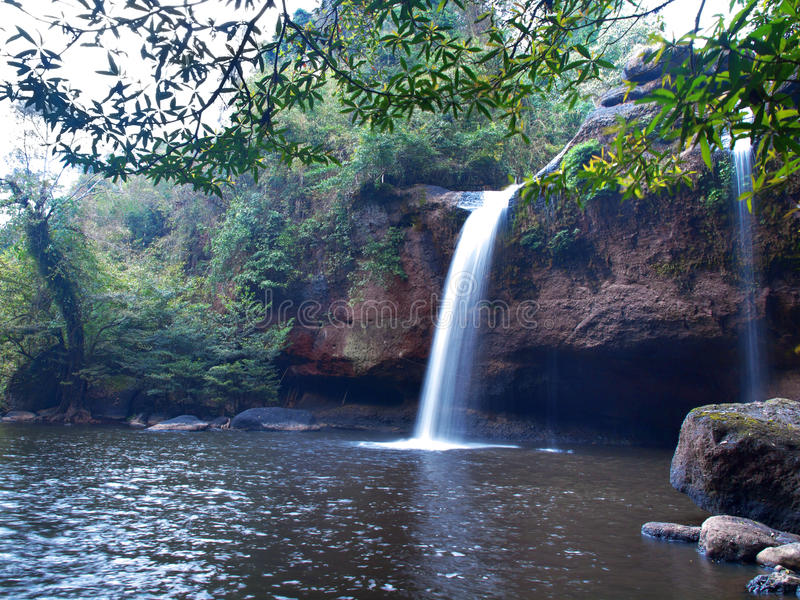 Cachoeira de Haew Suwat imagens de stock royalty free