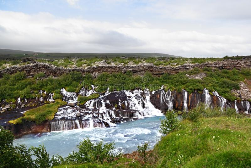 Cachoeira de Hraunfossar, Islândia fotos de stock royalty free