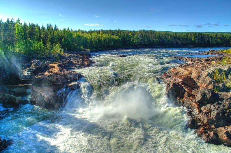 Cachoeira de Jockfall em Norrbotten, Suécia foto de stock royalty free