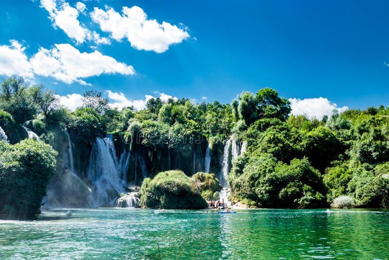 Cachoeira de Kravice e rio de Trebizat em Bósnia e em Herzegovina imagens de stock