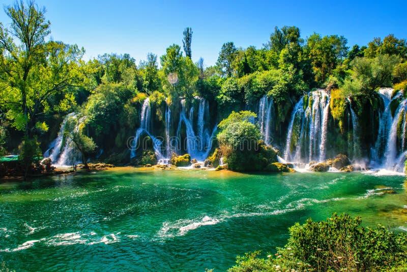 Cachoeira de Kravice no rio de Trebizat em Bósnia e em Herzegovina foto de stock royalty free