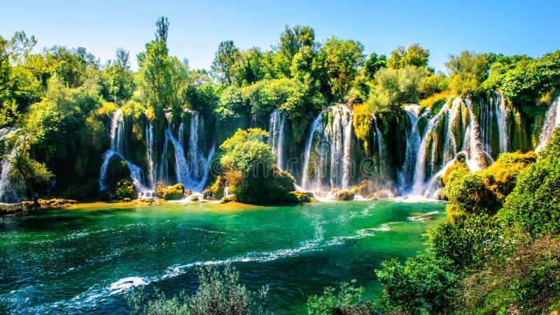 Cachoeira de Kravice no rio de Trebizat em Bósnia e em Herzegovina fotos de stock