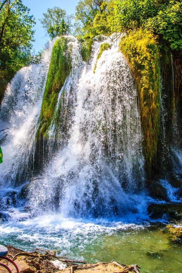 Cachoeira de Kravice no rio de Trebizat em Bósnia e em Herzegovina fotos de stock royalty free