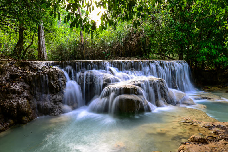 Cachoeira de Kuangsi na província de Luangprabang fotos de stock