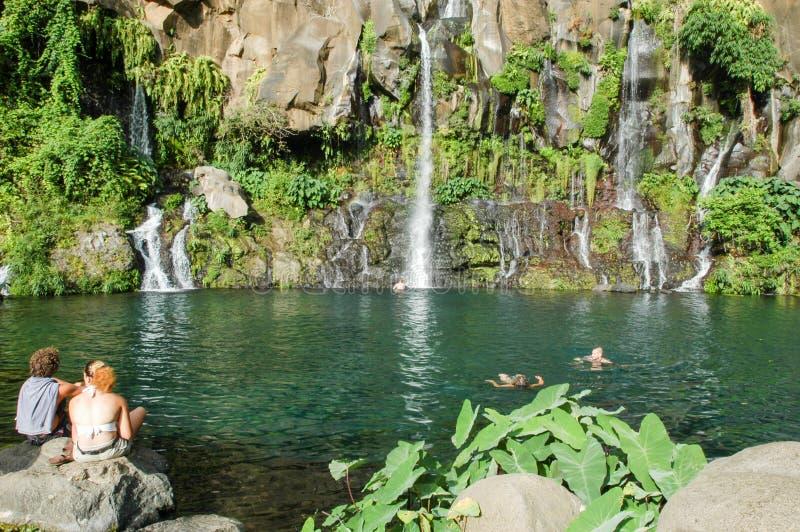 Cachoeira de Les Cormorans em Reunion Island, França foto de stock