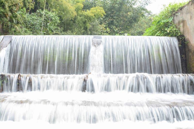 Cachoeira de Mae Kampong, em Chiang Mai, Tailândia imagem de stock royalty free