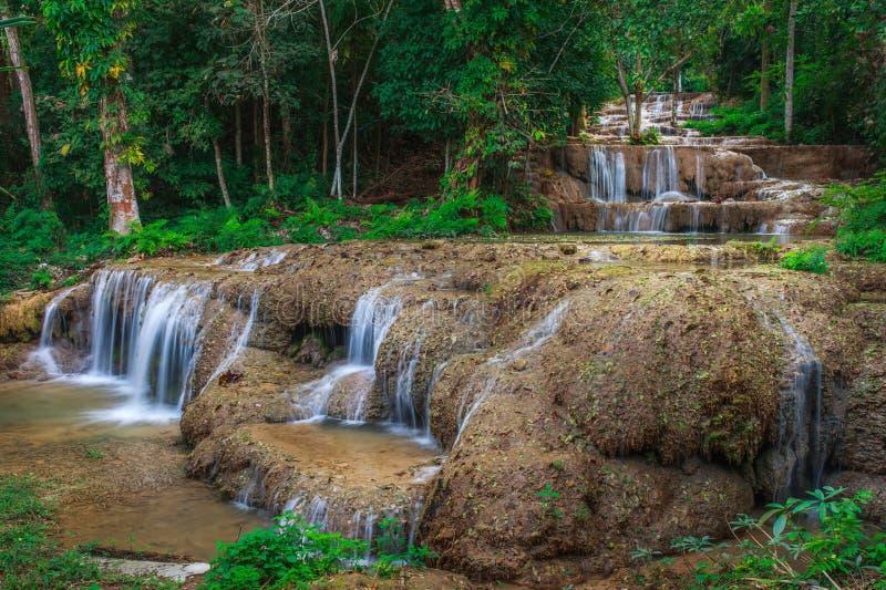 Cachoeira de Ngao, lampang, Tailândia imagem de stock royalty free