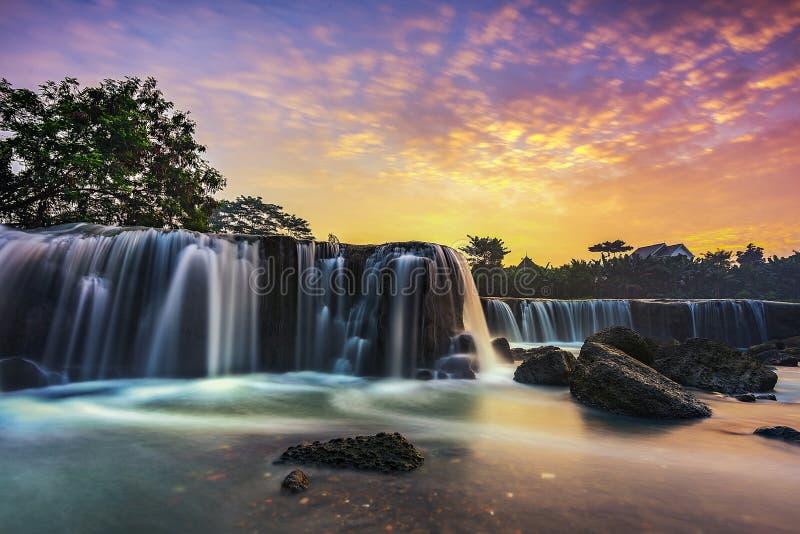 Cachoeira de Parigi fotos de stock