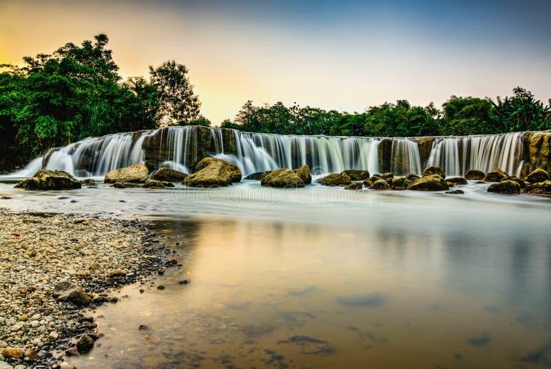 Cachoeira de Parigi imagens de stock royalty free