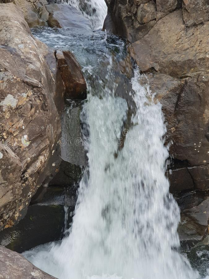 Cachoeira de pedra no piont do Mountain View fotos de stock