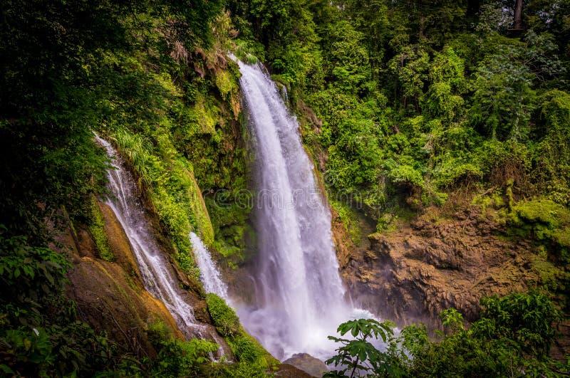 Cachoeira de Pulhapanzak nas Honduras - 5 fotografia de stock