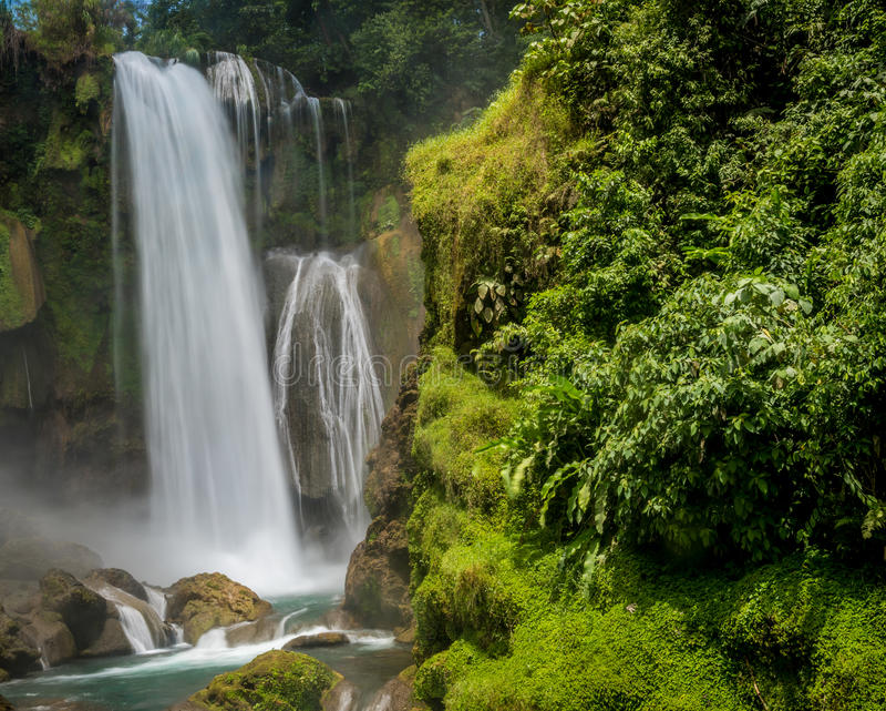 Cachoeira de Pulhapanzak nas Honduras - 7 fotografia de stock royalty free