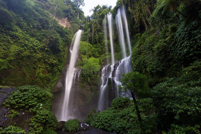 Cachoeira de Sekumpul em Bali do norte, Indonésia fotos de stock