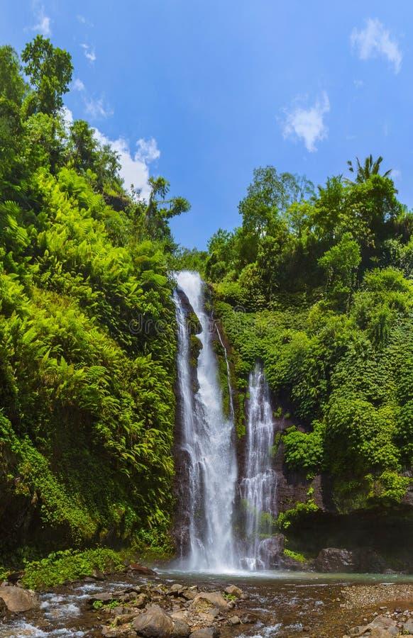 Cachoeira de Sekumpul - ilha Indonésia de Bali imagem de stock