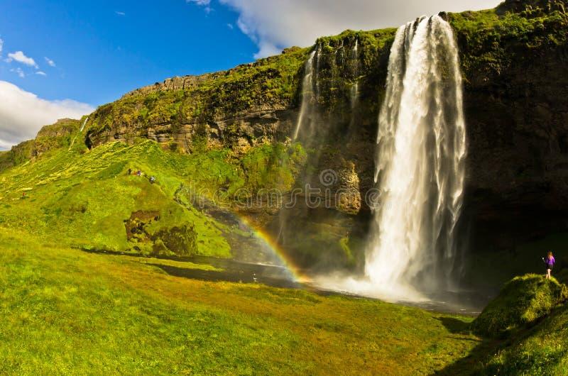Cachoeira de Seljalandsfoss do rio Seljalandsa, Islândia sul imagens de stock royalty free