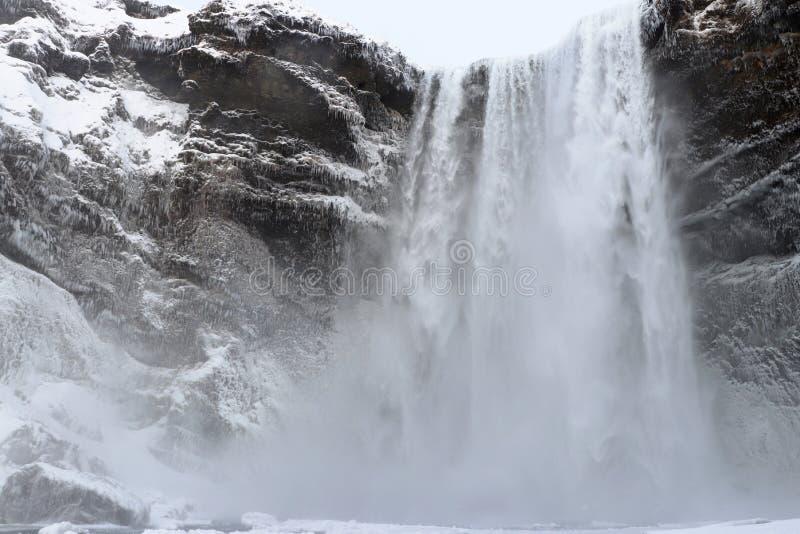 Cachoeira de Skógafoss em Islândia imagem de stock