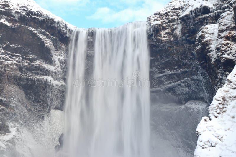 Cachoeira de Skógafoss em Islândia fotografia de stock royalty free