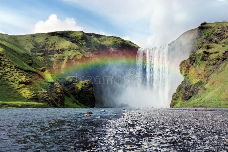 Cachoeira de Skogafoss em Islândia fotografia de stock royalty free