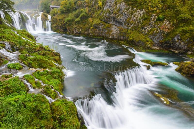 Cachoeira de Strbacki Buk em Bósnia e em Herzegovina imagens de stock royalty free