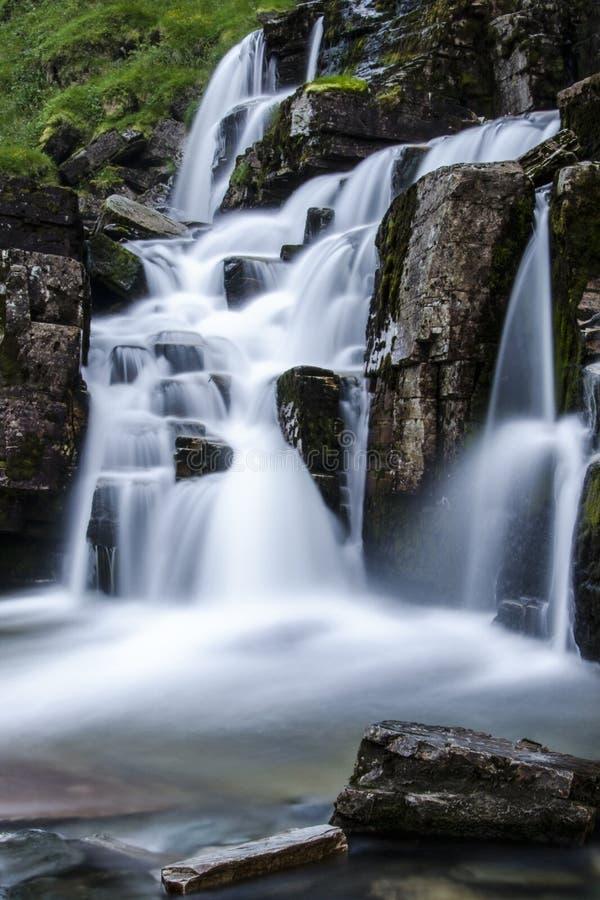 Cachoeira de Tvindefossen em Noruega fotos de stock
