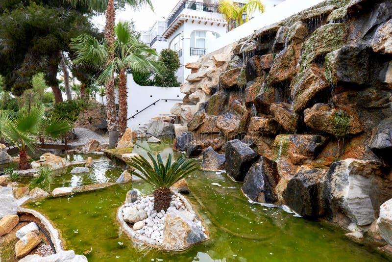 Cachoeira decorativa fora fotografia de stock