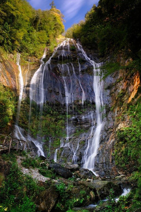 Cachoeira do apuane do alpi do acquapendente imagens de stock royalty free