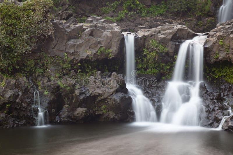 Cachoeira do desfiladeiro de Oheo, Maui fotografia de stock