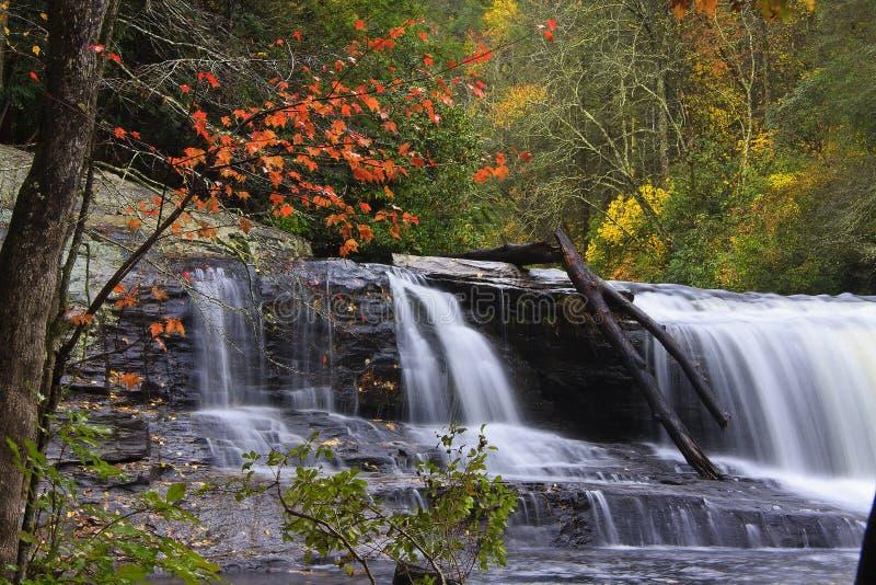 Cachoeira do NC no outono foto de stock royalty free