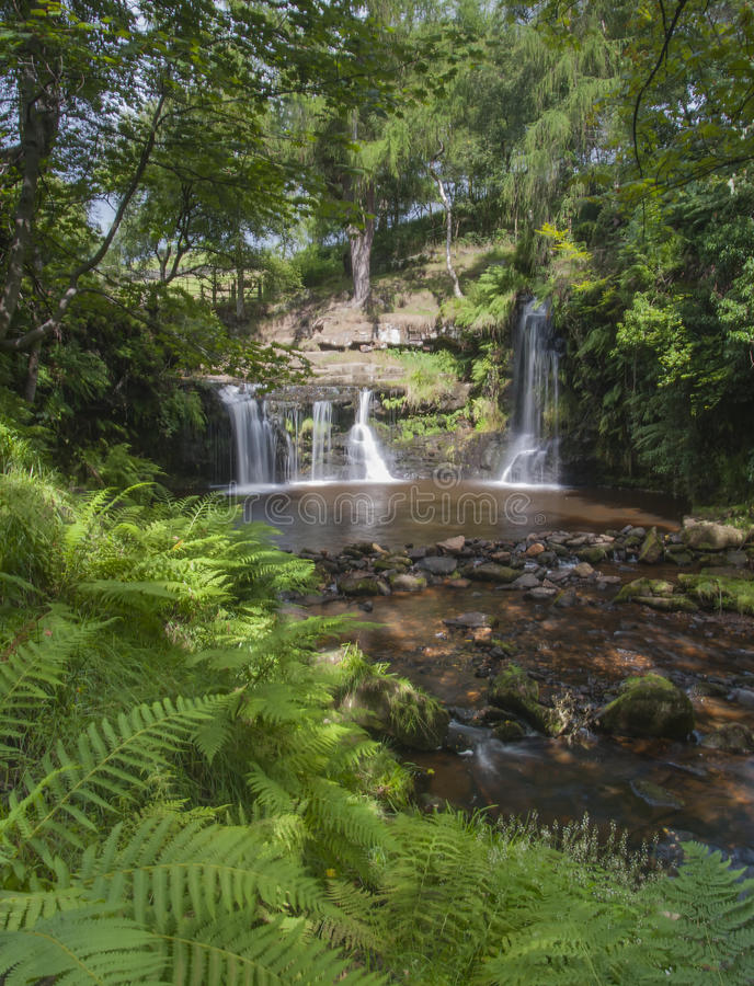 Cachoeira dos vales de Yorkshire imagem de stock royalty free