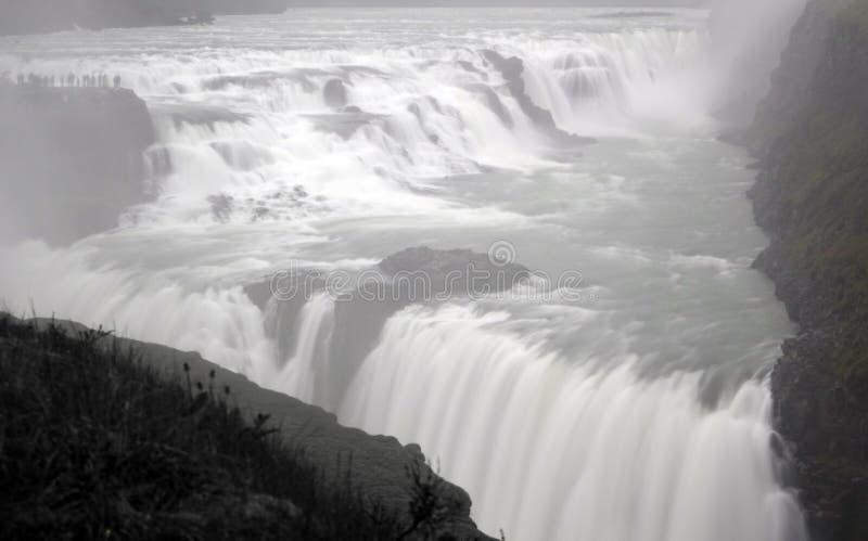 Cachoeira dourada mergulhada dois de Gullfoss em Islândia imagens de stock