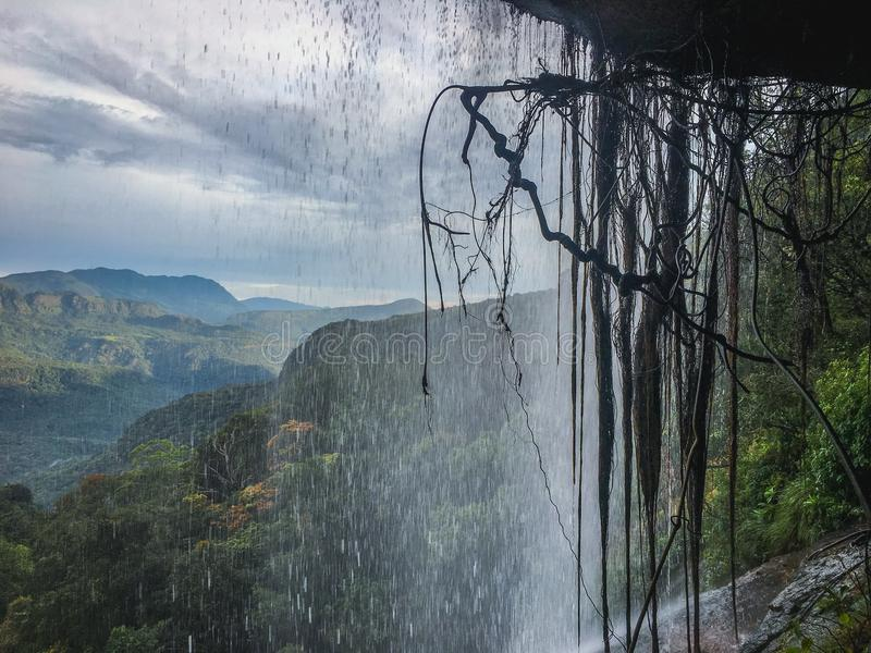 Cachoeira e montanha bonitas do dumbara em Sri Lanka imagem de stock royalty free