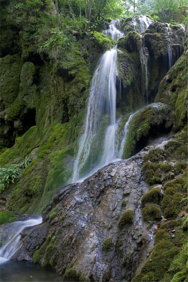 Cachoeira e rochas imagens de stock royalty free