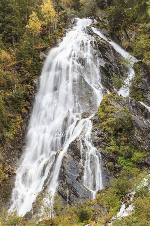 Cachoeira elevada imagem de stock