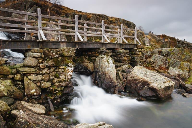 Cachoeira em Cwm Idwal Gales imagem de stock