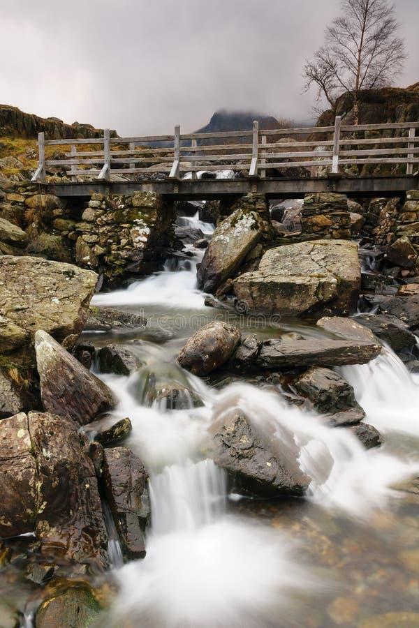 Cachoeira em Cwm Idwal Gales fotografia de stock royalty free