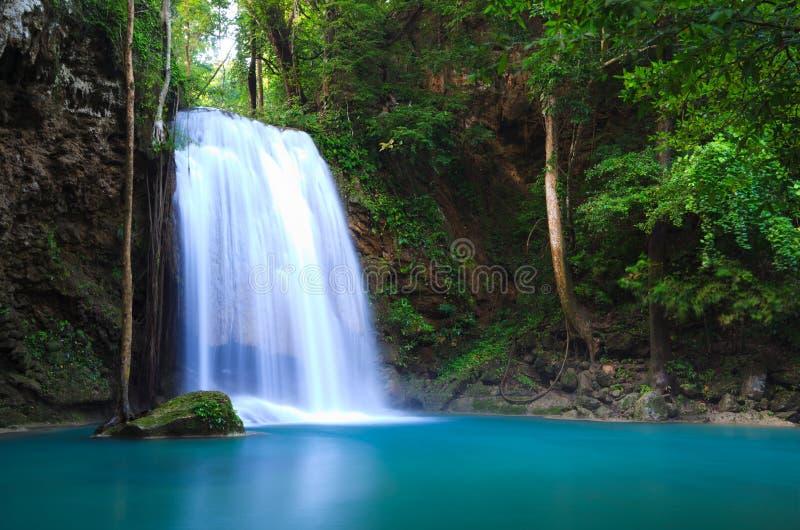 Download Cachoeira Em Kanchanaburi, Tailândia De Erawan Foto de Stock - Imagem de bonito, foliage: 16857966