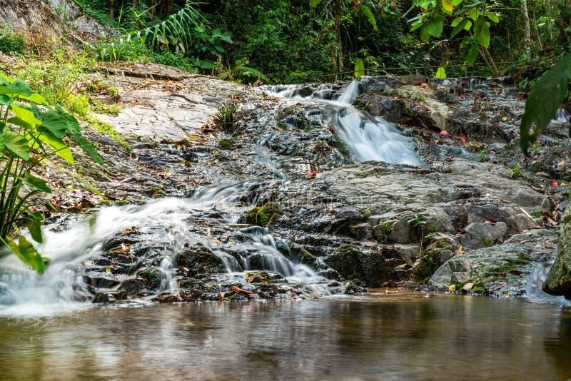 Cachoeira em Mae Kampong, Chiang Mai, Tail?ndia imagens de stock