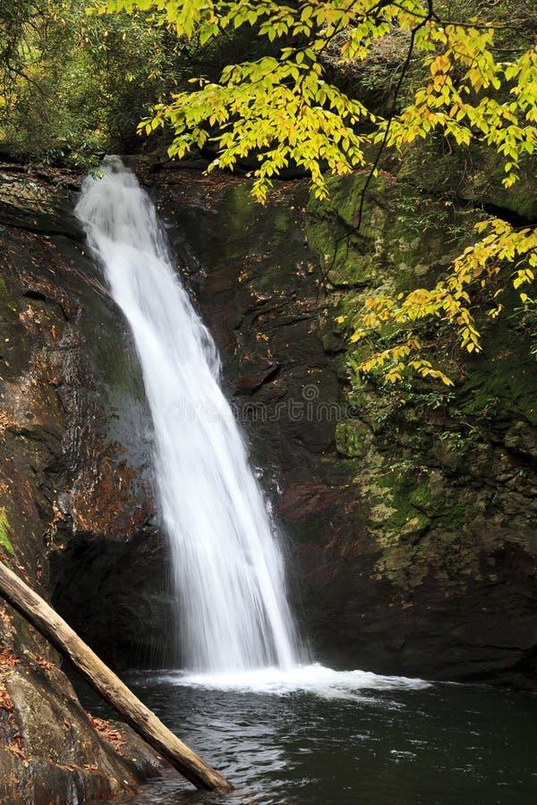 Cachoeira em North Carolina na queda foto de stock royalty free