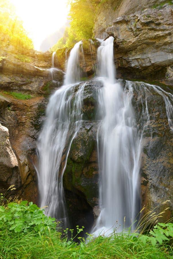 Cachoeira em Ordesa e em Monte Perdido National Park Montanha de Pyrenees Província de Huesca, Espanha fotografia de stock royalty free
