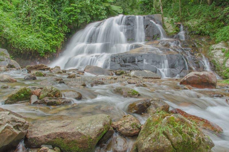 Cachoeira em Tailândia imagem de stock
